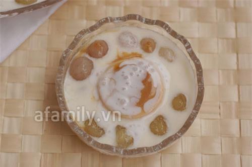 Ăn vặt tuyệt ngon với sữa chua caramel thập cẩm